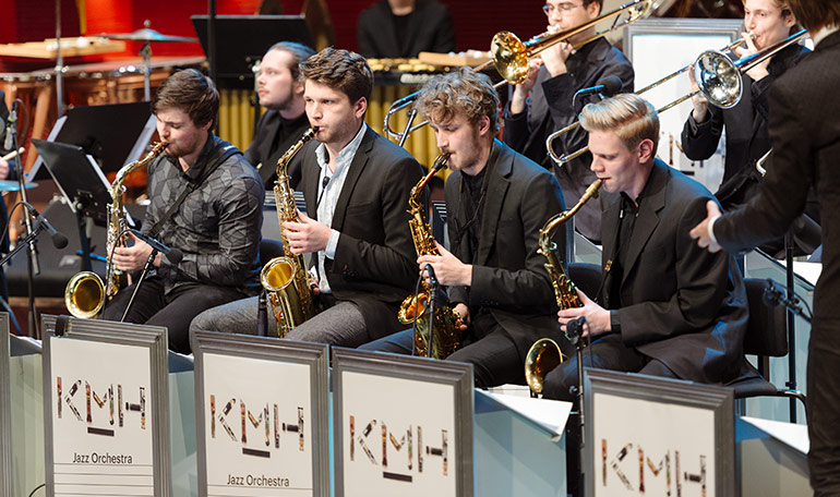 KMH Jazz Orchestra lead by Magnus Lindgren in the KMH Royal Hall. Photo: Mira Åkerman.